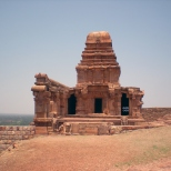Upper Shivalaya Temple built on the top of the North Fort built in Dravidian style. Now in a ruined state - probably since invasions by the Pallava dynasty.