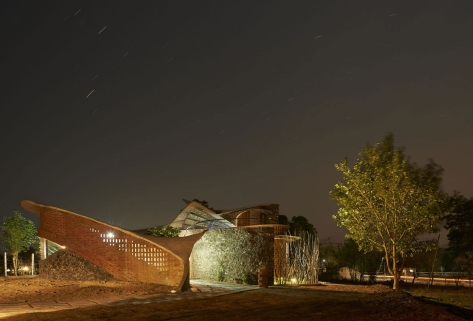 Night-View of The Brick House.
