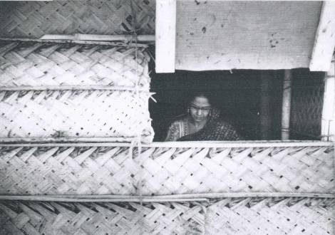 Minnette de Silva on site at Watapuluwa, 1957, UP