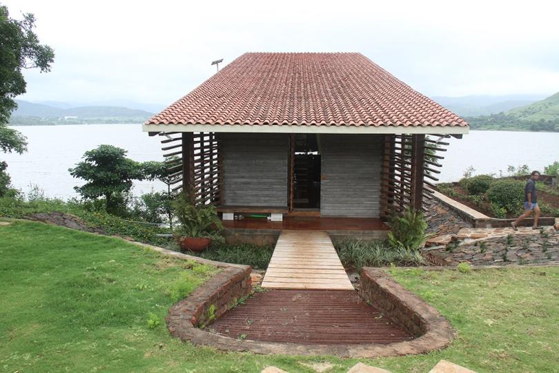 Entrance, Eye on the Lake, Shabbir Unwala, Khadakwasla, architecture, India