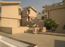Clustered Living : International Student Housing