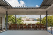 Studio NVA: The terrace- dining adjoining the courtyard
